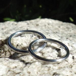 金属アレルギー対応・シンプルで美しいハフニウムの結婚指輪 Hafnium Rings