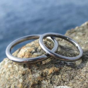 金属アレルギーにならない!シンプルなタンタルの結婚指輪 Tantalum Rings