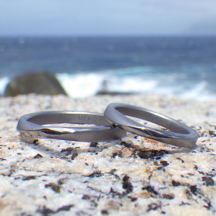 絶妙フィッティングのメビウスの輪・タンタルの結婚指輪 Tantalum Rings