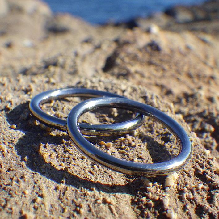 必要最小限でカッコイイ!タンタルの結婚指輪 Tantalum Rings