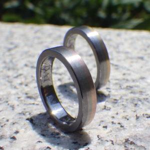 タンタル、チタン、ゴールドの3色の結婚指輪 Tantalum & Titanium & Gold Rings
