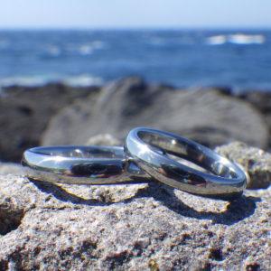 メールオーダーでも安心のオーダーメイド・ハフニウムの結婚指輪 Hafnium Rings