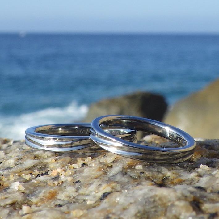金属アレルギーの方でも一生身につけられるハフニウムの結婚指輪 Hafnium Rings