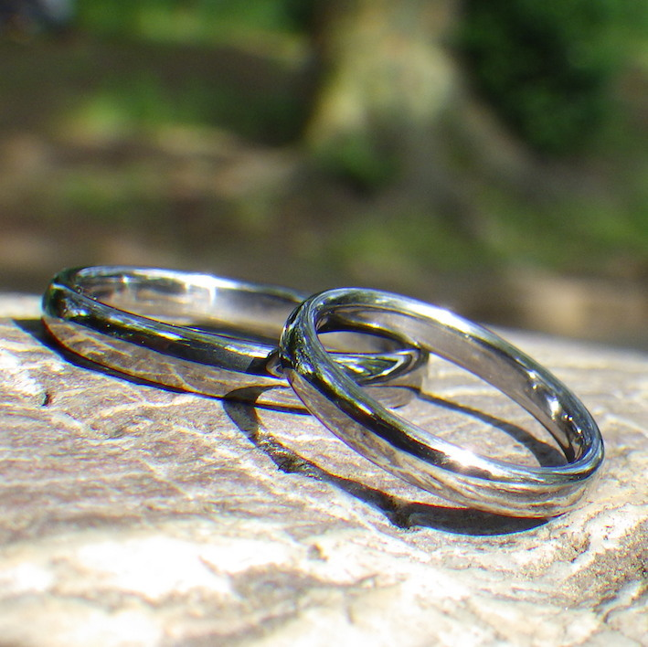 金属アレルギーにならないタンタルの結婚指輪 Tantalum Rings