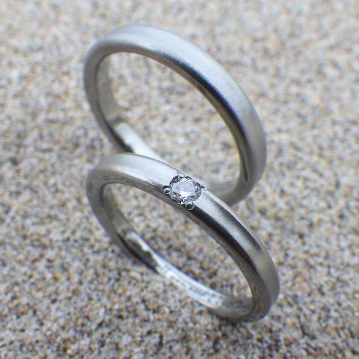 ダイヤモンドが輝くハフニウムの結婚指輪 Hafnium Rings