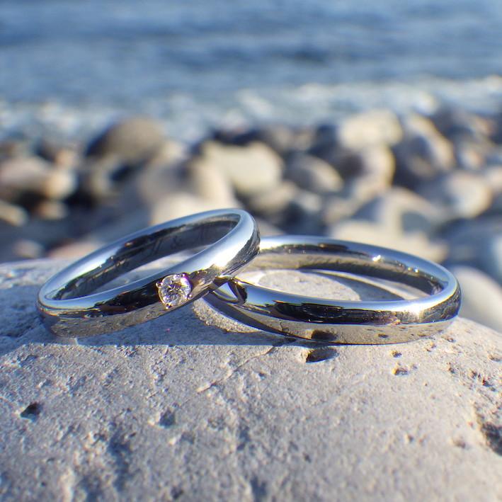 機能美を追求したダイヤモンドとハフニウムの結婚指輪 Hafnium Rings