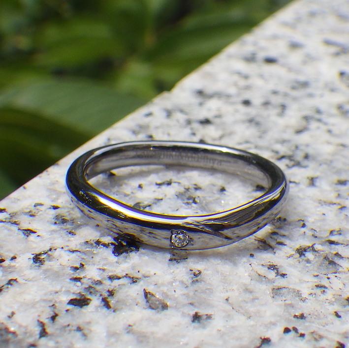 アレルギーの心配なく、ずっとつけられるタンタルの結婚指輪 Tantalum Ring