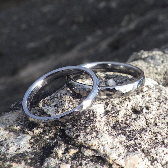純度と硬度が極限まで高められたタンタルの結婚指輪 Tantalum Rings