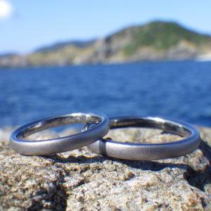 おふたりだけのために1つずつ削り出しで制作・タンタルの結婚指輪 Tantalum Rings