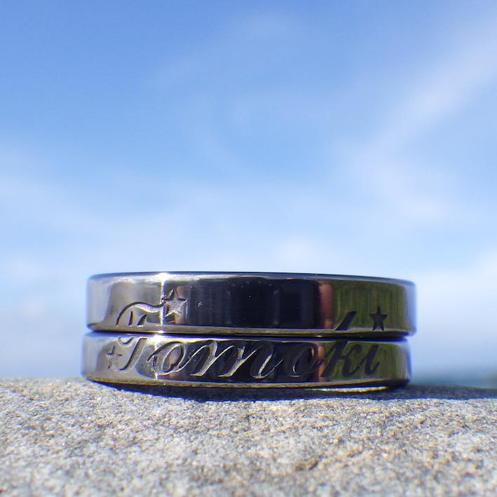 二人のリングを合わせると絵柄が出来るタンタルの結婚指輪 Tantalum Rings