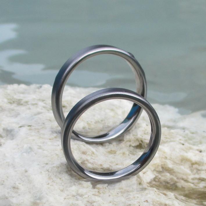敏感肌にも優しいタンタルの結婚指輪 Tantalum Rings