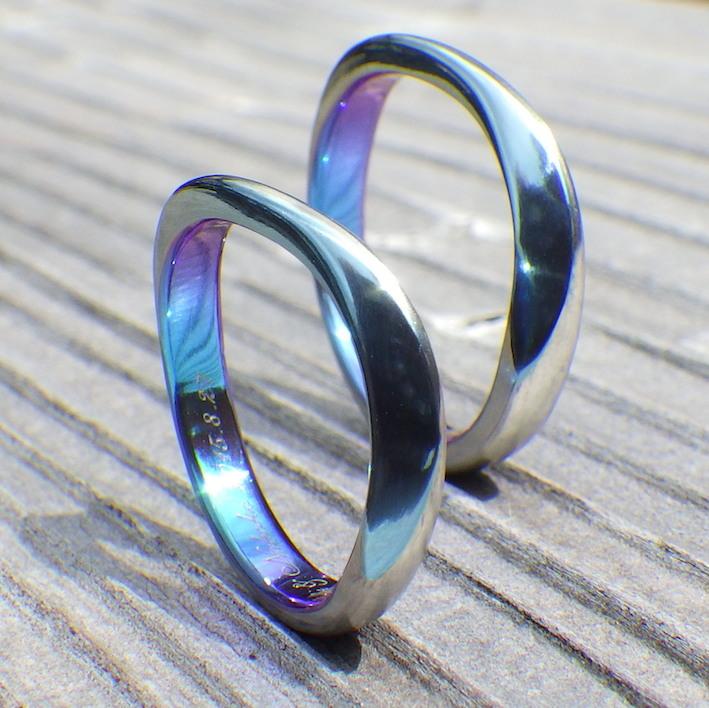揺らぎの変化が美しいジルコニウムの結婚指輪 Zirconium Rings