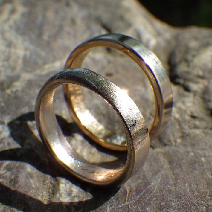 オレンジゴールド20金とプラチナ1000の木目金の結婚指輪