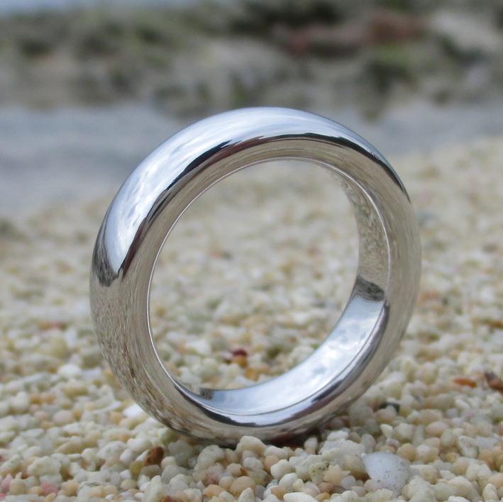 世界初のロジウム無垢の指輪