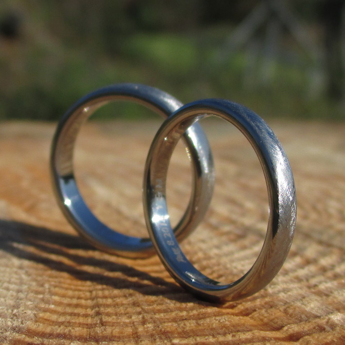 金属アレルギーの原因にならないジルコニウムの結婚指輪 Zirconium Rings
