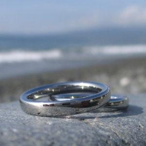 ドイツからスカイプで注文!ハフニウムの結婚指輪 Hafnium Rings