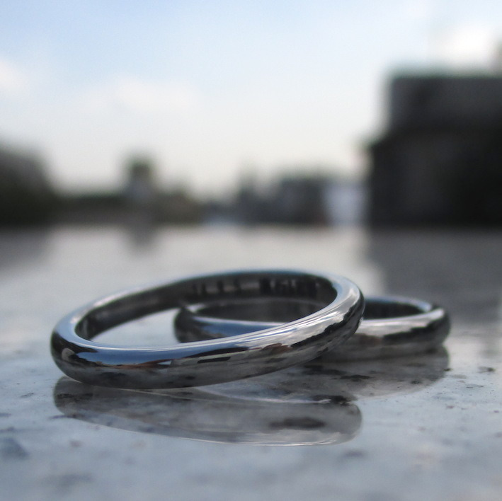 着け心地がいい!ハフニウムの結婚指輪 Hafnium Rings