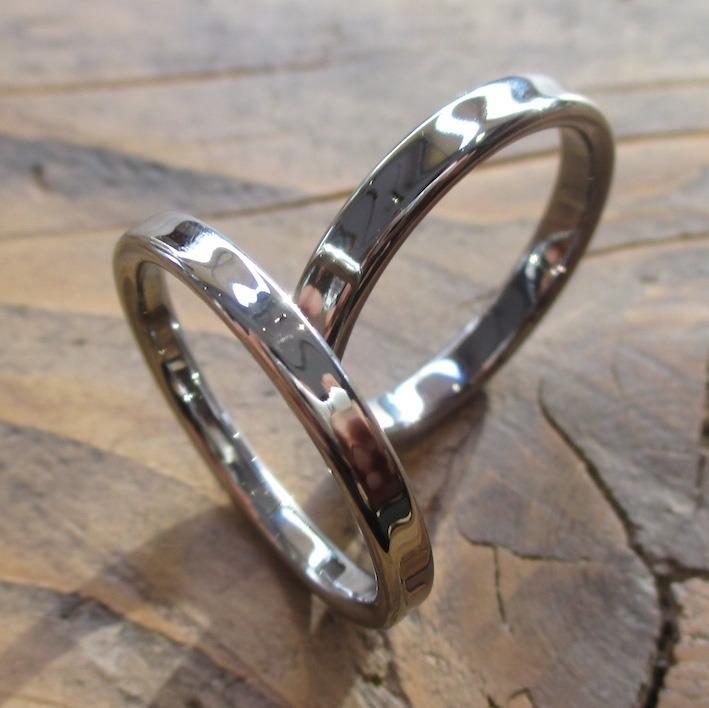 タンタルの指輪とハフニウムの指輪のペアリング