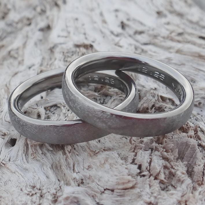 プラチナより金属アレルギーの心配がないハフニウムの結婚指輪 Hafnium Rings