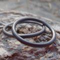 最小限で細身の美しいタンタルの結婚指輪 Tantalum Rings