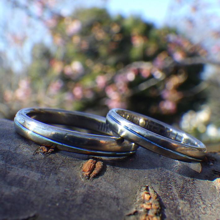 ブルーグラデーションの発色・ジルコニウムの結婚指輪 Zirconium Rings