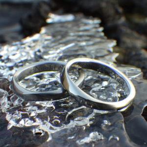 丈夫でメンテナンスフリーの美しい素材・ハフニウムの結婚指輪 Hafnium Rings