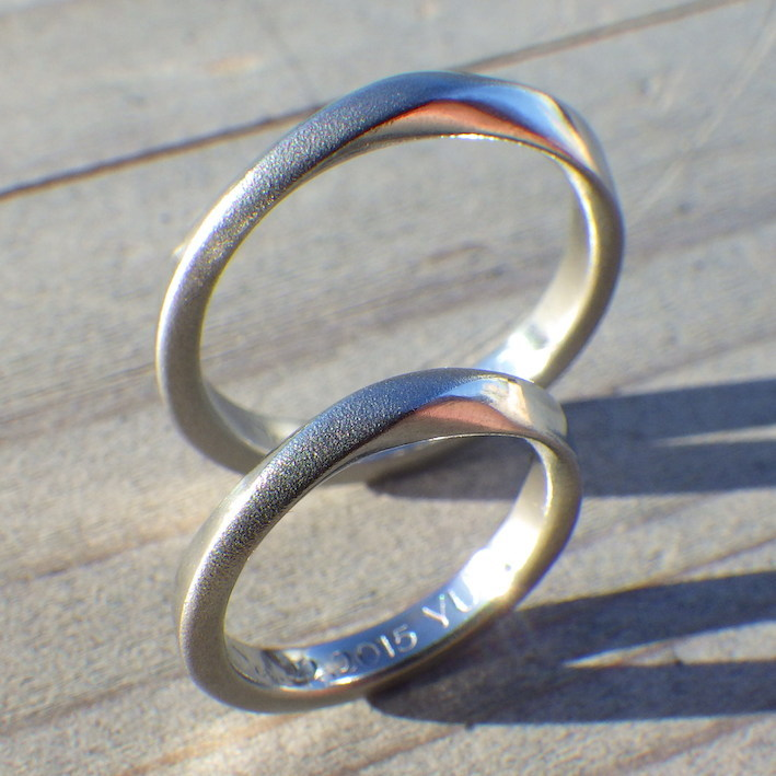 父・母・子を入れ子状に制作・ハフニウムの結婚指輪 Hafnium Rings