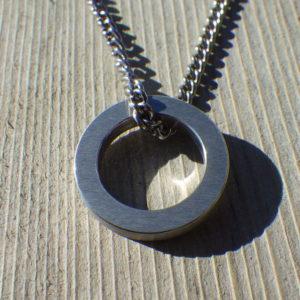 純イリジウム材を切り出して制作したネックレス Iridium Necklace