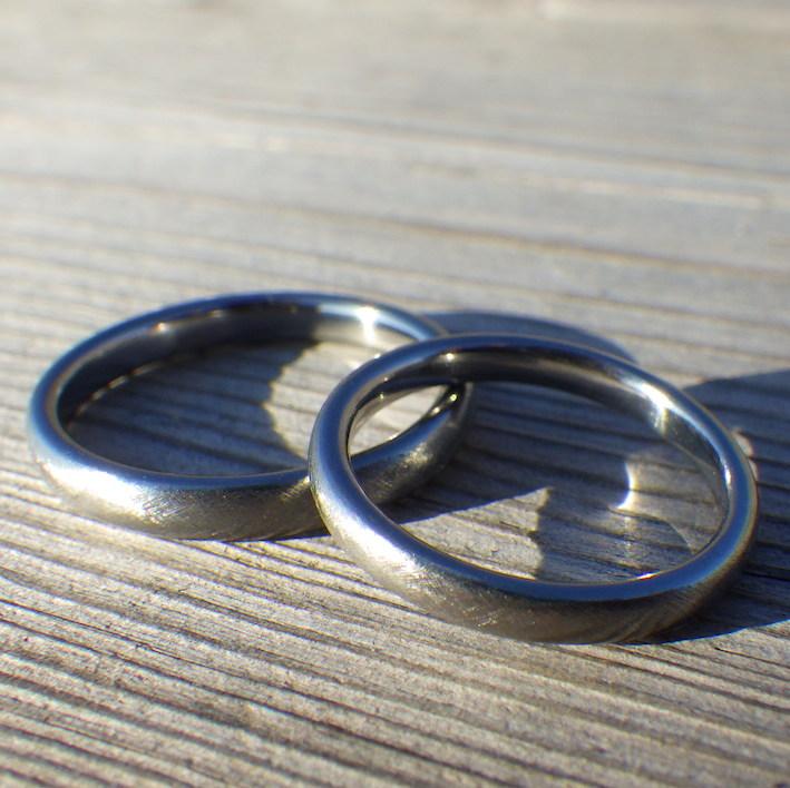 ずっと着け続けられる着け心地の良さ・ハフニウムの結婚指輪 Hafnium Rings