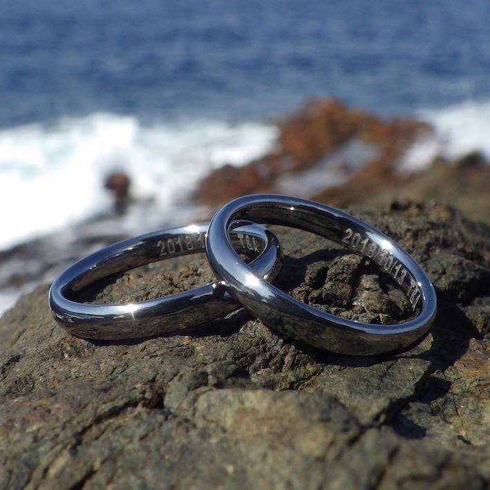大人気!人体にストレスのない安全性・タンタルの結婚指輪 Tantalum Rings