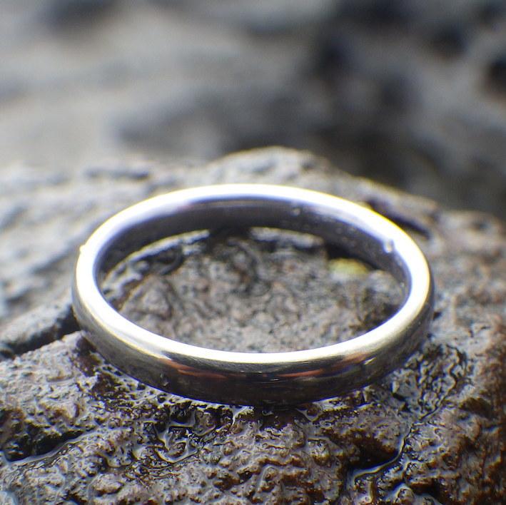 ずっと、どこでも身に着けられるタンタルの結婚指輪 Tantalum Ring