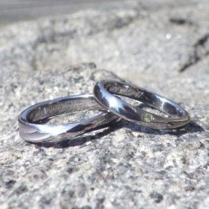 細部まで思い通りの造形!タンタルの結婚指輪 Tantalum Rings