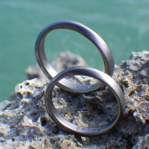 ヒトに最も優しい金属・タンタルの結婚指輪 Tantalum Rings