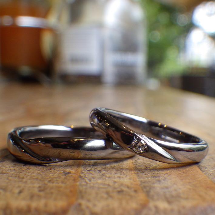 両家の家紋をリングに刻印・タンタルの結婚指輪 Tantalum Rings