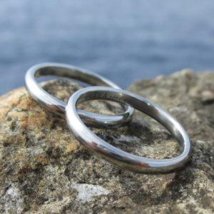 金属アレルギーにならないハフニウム・ふたりだけの結婚指輪 Hafnium Rings