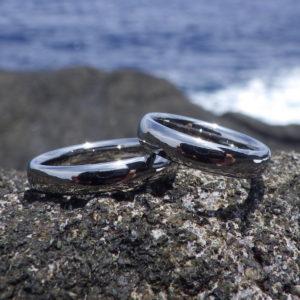 壊れない!しかも体の一部になったような着け心地・ハフニウムの結婚指輪 Hafnium Rings