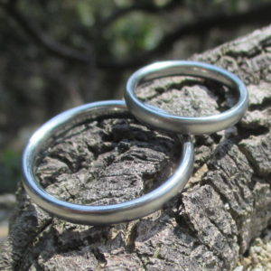 素材は特殊で稀少・デザインはシンプルなハフニウムの結婚指輪 Hafnium Rings