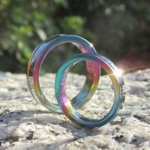 光の干渉によって色鮮やかに輝くジルコニウムの結婚指輪 Zirconium Rings