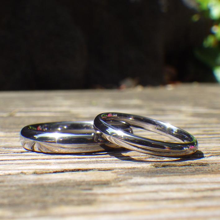 タンタルの指輪の人気のデザイン
