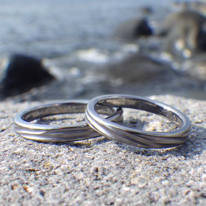 2つで1つのような幸せなかたち・タンタルの結婚指輪 Tantalum Rings