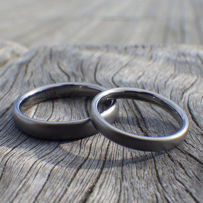 着け心地のいいシンプルな丸み・タンタルの結婚指輪 Tantalum Rings