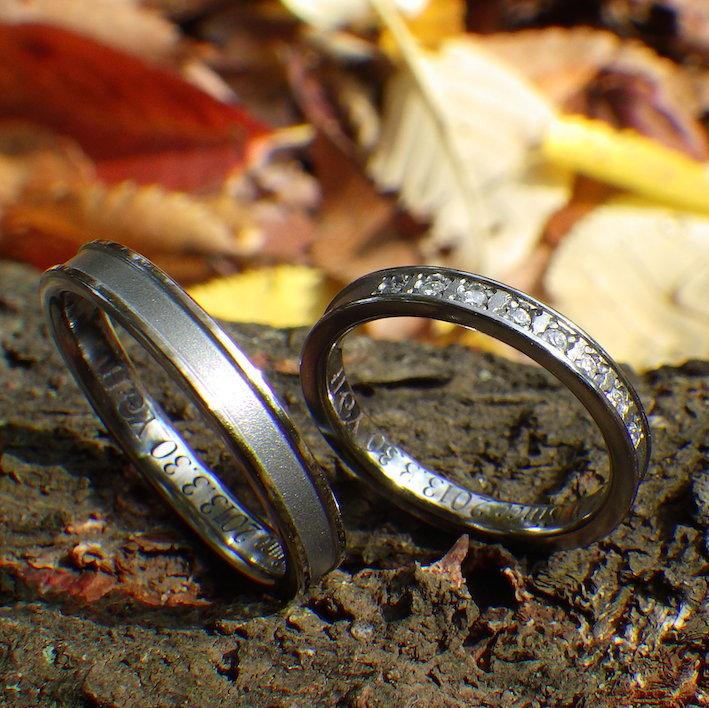 ダイヤモンドが煌びやかに輝くハフニウムの結婚指輪 Hafnium Rings