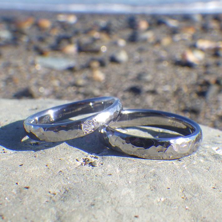 もっとも個性的で珍しいタンタル素材の結婚指輪