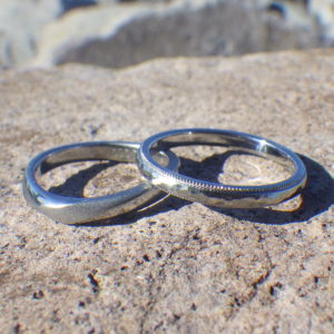 金属アレルギーでプラチナの指輪が着けられない方のために!ハフニウムの結婚指輪