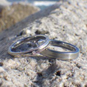 金属アレルギーでも着けられる美しい結婚指輪・安心のハフニウム素材