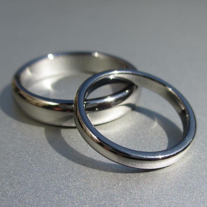 ふたつで1つのタンタルの結婚指輪 Tantalum Rings