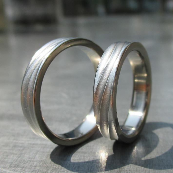 長い波 ハフニウムの結婚指輪  Hafnium Rings