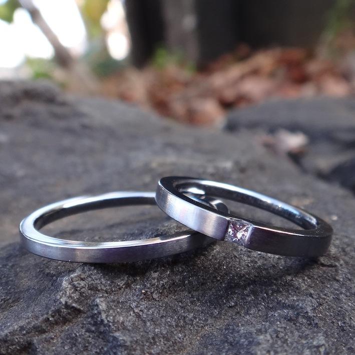 プリンセスカットダイヤモンドを留めたタンタルの結婚指輪 Princesscut Diamond Tantalum Rings