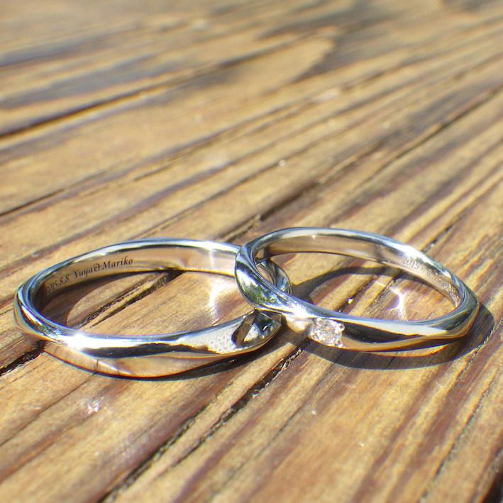 揺らぎが美しい4回ねじりのデザイン・ハフニウムの結婚指輪 Hafnium Rings