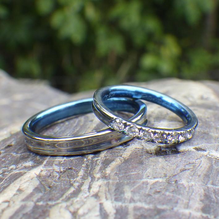 愛と幸せが溢れるブルー!ハフニウムのマリッジリング Hafnium Rings